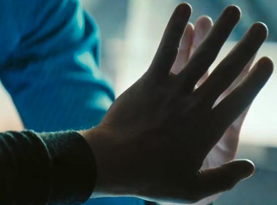 star trek into darkness kirkspock hands